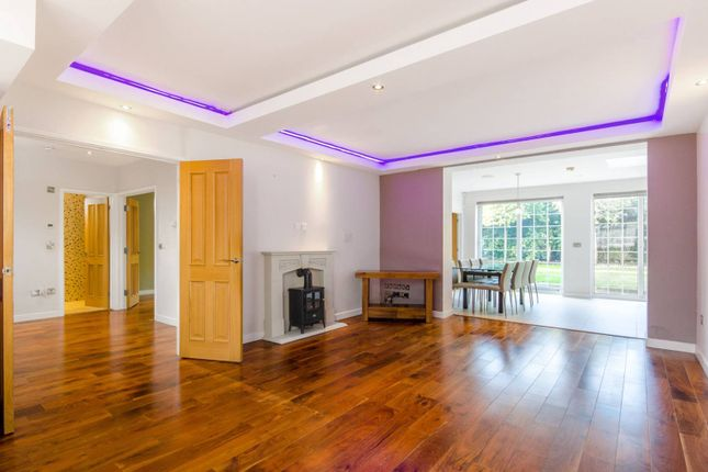 Thumbnail Detached house to rent in Hermitage Close, South Woodford, London