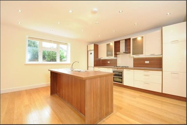 4 bed detached house to rent in Wickham Court Road, West Wickham