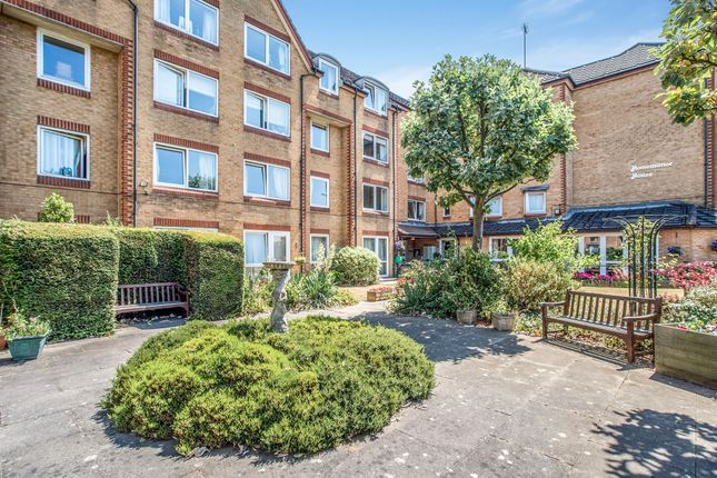 Thumbnail Property for sale in Cassio Road, Watford