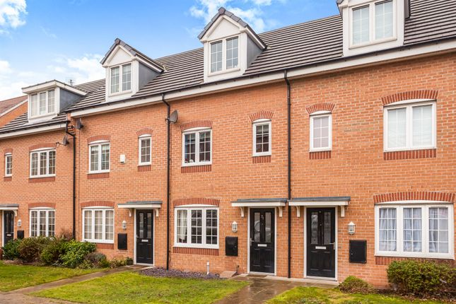 3 bed town house for sale in Priory Chase, Pontefract