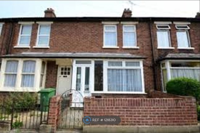 2 bed terraced house to rent in Clark Avenue, Grimsby DN31