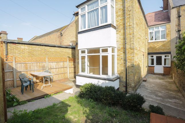 Thumbnail Flat to rent in St, Pauls Road, Cliftonville, Margate