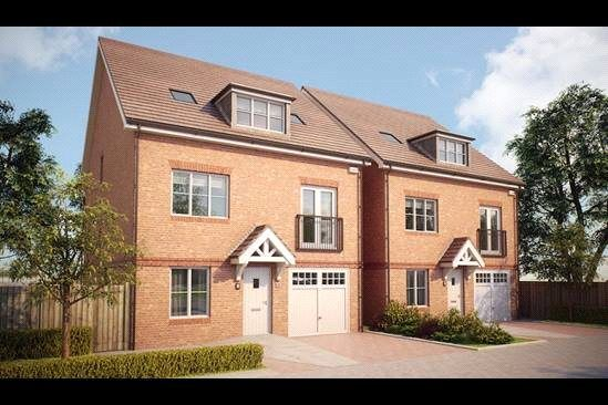 Thumbnail Detached house for sale in Bagshot Road, Knaphill, Woking GU212Rn
