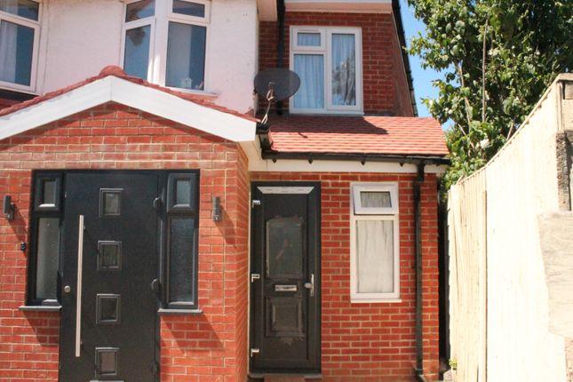 Thumbnail Maisonette to rent in Malvern Terrace, London