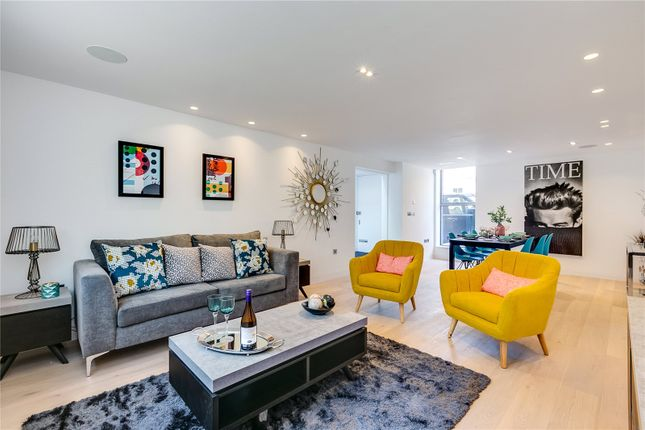 Thumbnail Mews house for sale in Camden Mews, London