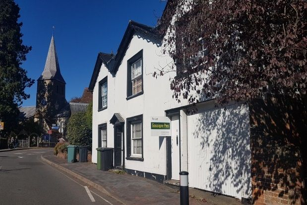 Thumbnail Flat to rent in Church Street, Alton