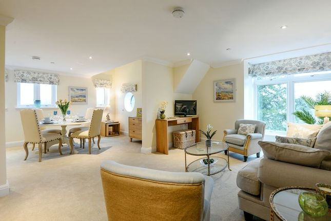 2 bed property for sale in Bolnore Road, Haywards Heath