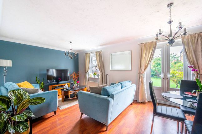 Thumbnail Terraced house to rent in Silbury Avenue, Colliers Wood, Mitcham
