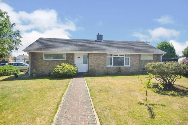 Thumbnail Bungalow for sale in Royston Gardens, St. Margarets-At-Cliffe, Dover, Kent