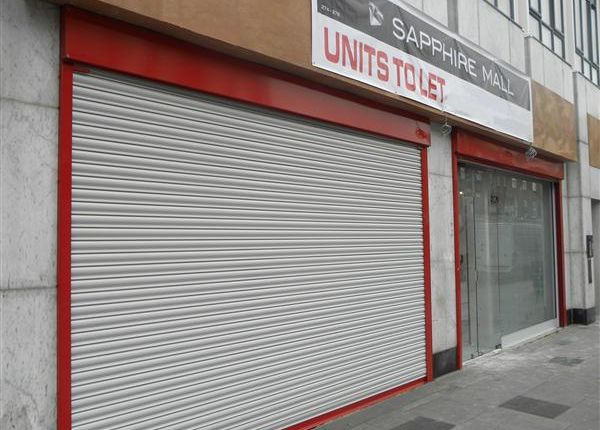 Commercial property to let in High Street, Slough