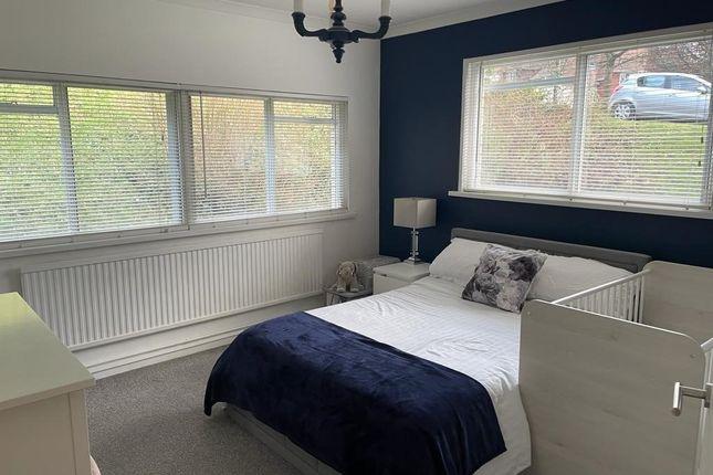 Thumbnail Flat to rent in Long Oaks Court, Sketty, Swansea