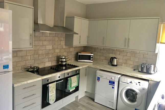 Thumbnail Shared accommodation to rent in Bentley Road, Doncaster