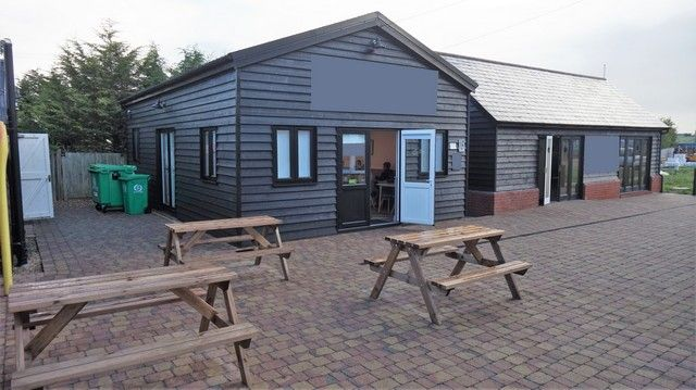 Thumbnail Restaurant/cafe for sale in Affluent Village, Essex