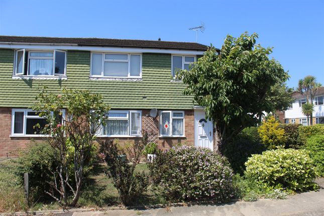 2 bed maisonette to rent in Milford Close, London SE2