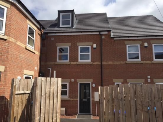 Thumbnail Town house to rent in Horsley Close, Stanley