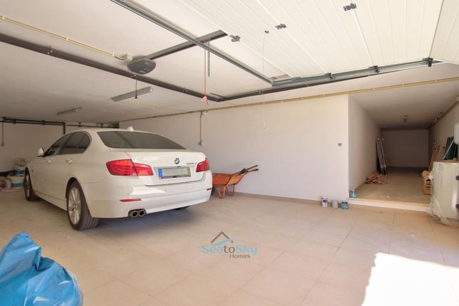 2nd Garage & Storage Space