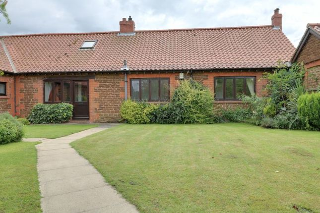Thumbnail Cottage for sale in Old Estate Yard, Normanby, Scunthorpe