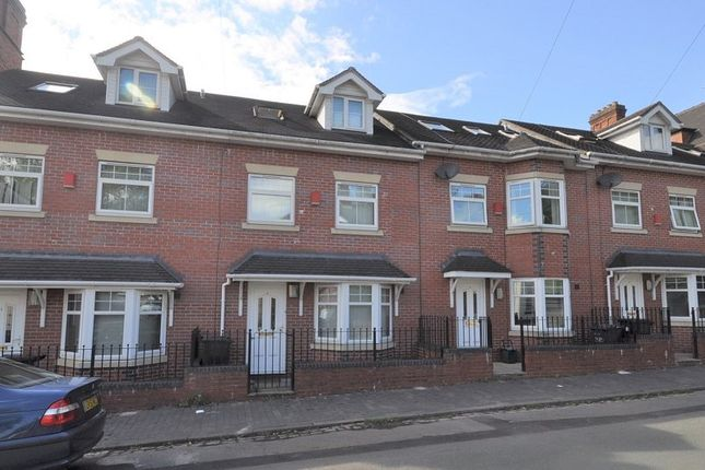 Thumbnail Town house for sale in De Brompton Villas, Newcastle, Staffs
