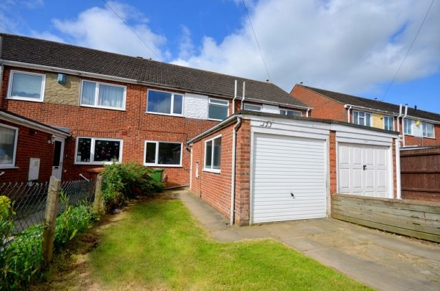 Thumbnail Terraced house to rent in St. Nicholas Drive, Wybers Wood, Grimsby