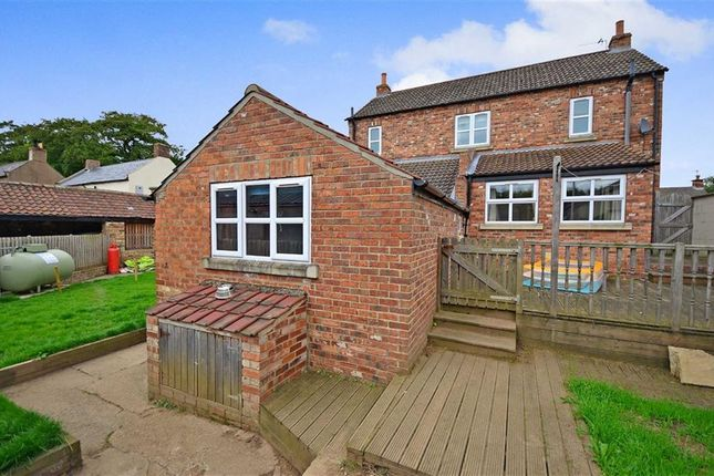 Thumbnail Detached house for sale in Reedness, Goole