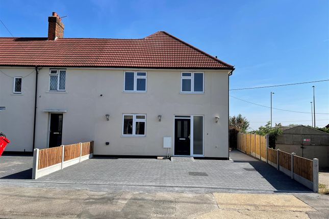 3 bed semi-detached house to rent in Giffords Cross Road, Corringham, Stanford-Le-Hope SS17