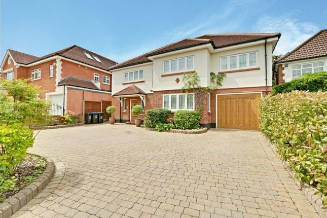Thumbnail Detached house to rent in Parkgate Crescent, Hadley Wood