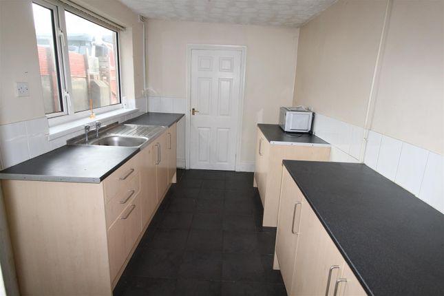 Kitchen of 217 Heneage Road, Grimsby, N E Lincolnshire DN32