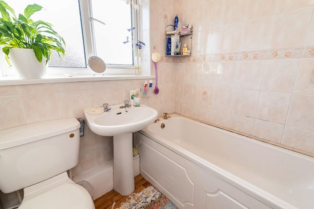 Bathroom of Farndale Square, Worsley, Manchester, Greater Manchester M28