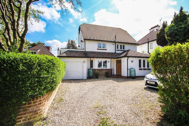 Thumbnail Detached house for sale in Manor Way, Purley