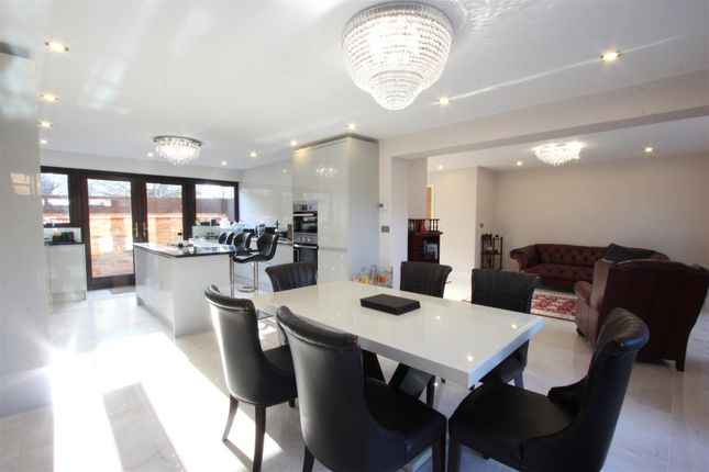 Thumbnail Town house for sale in Vaughan Way, London