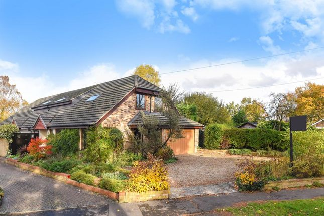 Thumbnail Detached house for sale in Windsor Ride, Finchampstead