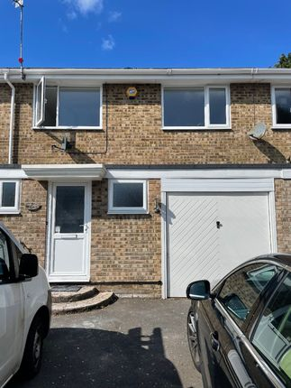 Thumbnail Terraced house to rent in Heathlands Close, Christchurch