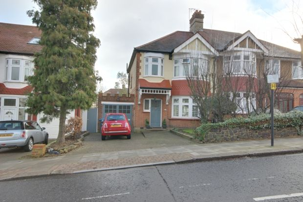 Thumbnail Semi-detached house to rent in Wades Hill, Winchmore Hill