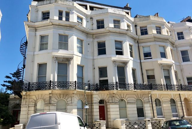 Thumbnail Flat for sale in St. Aubyns, Hove