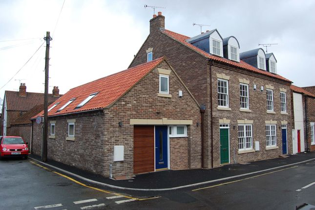 Thumbnail Town house to rent in Priestgate, Barton-Upon-Humber