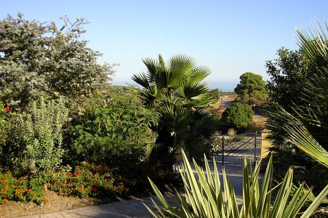 Villa for sale in Camino Monica, Estepona, Málaga, Andalusia, Spain