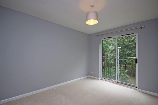 Thumbnail Flat to rent in Swan Mead, Hemel Hempstead