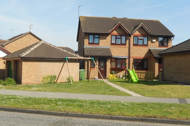 Thumbnail Semi-detached house to rent in Speedwell Crescent, Scunthorpe