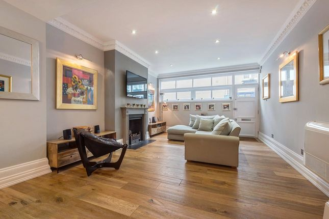 Thumbnail Terraced house for sale in Chester Square Mews, London