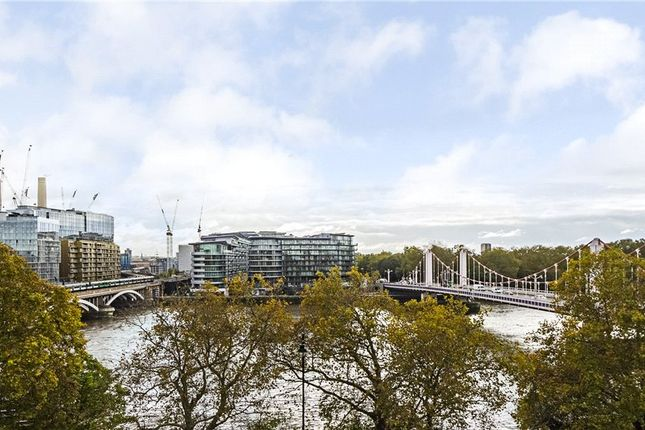 Thumbnail Flat for sale in Cubitt Building, Grosvenor Waterside, London