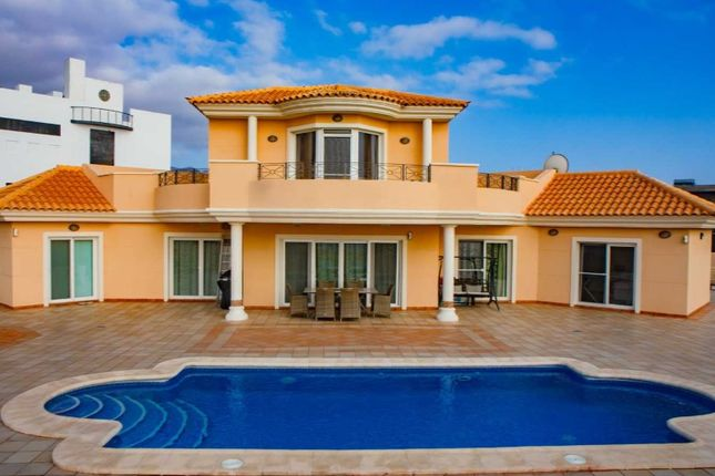 Thumbnail Villa for sale in Playa Paraiso, Adeje, Tenerife