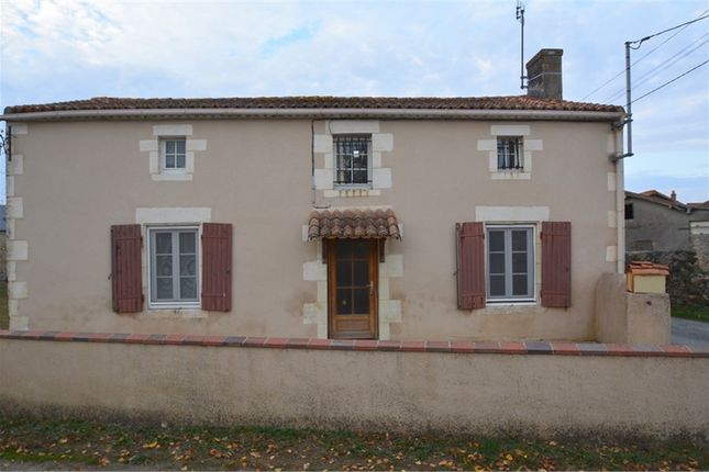 4 bed property for sale in Poitou-Charentes, Deux-Sèvres, Saint Loup Lamaire
