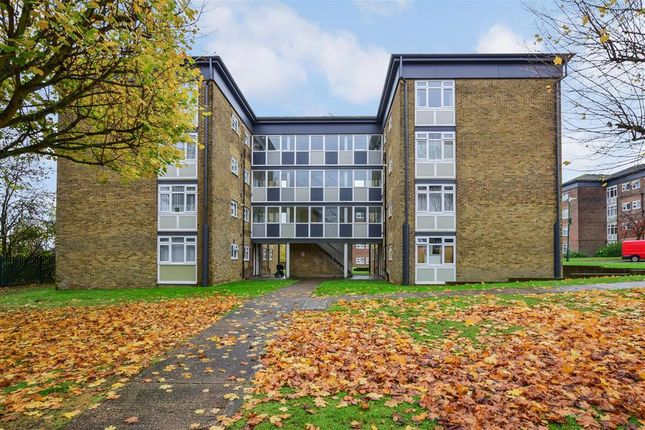 Thumbnail Flat for sale in Woodford Road, Maidstone, Kent