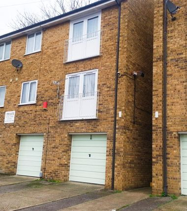 Thumbnail Flat to rent in Constitution Road, Chatham