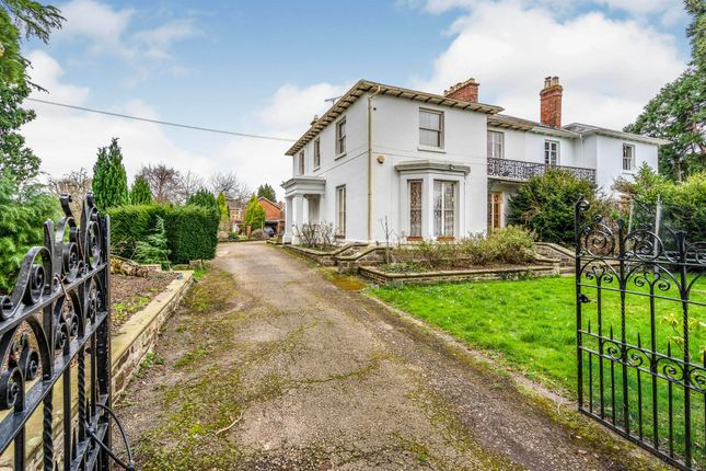 Thumbnail Town house for sale in Broomy Hill, Hereford