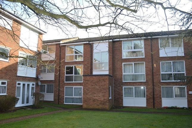 Thumbnail Flat to rent in Epping Green, Hemel Hempstead