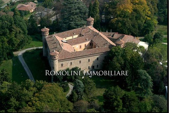 24 bed property for sale in Piacenza, Emilia-Romagna, Italy