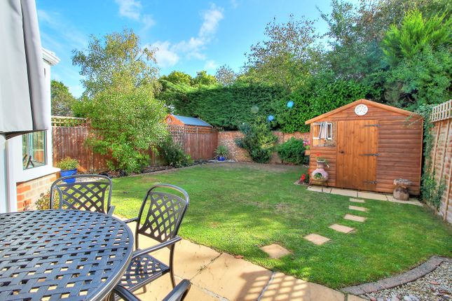 Thumbnail Detached house for sale in Ropley Close, Tadley
