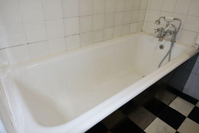 Original Bath. of Marine Court, St Leonards On Sea TN38