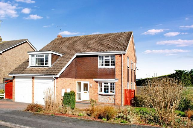 Thumbnail Detached house for sale in Windsor Rise, Newbury